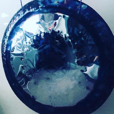 a blue gong