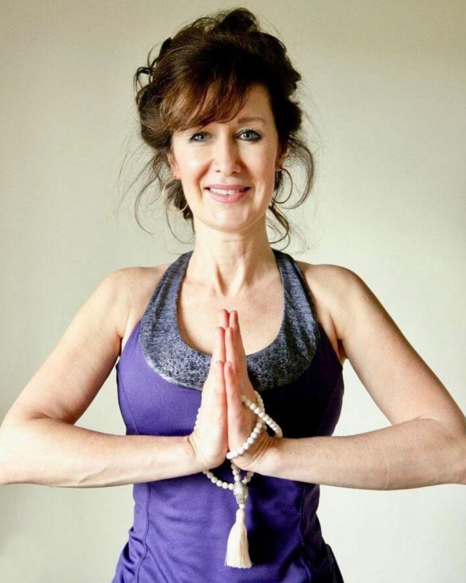 photo of Dawn Lister meditating